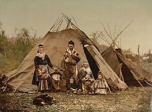350px-Saami_Family_1900.jpg